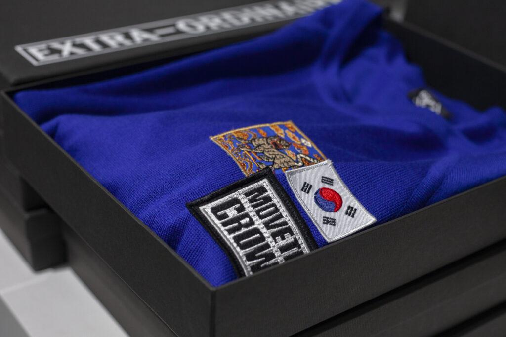 Box containing Solido Roma sweater
